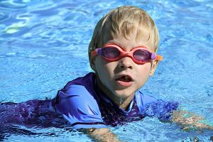 Kids swimming lessons in Murray Bridge heated pool